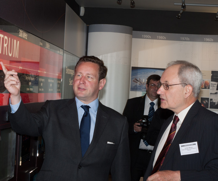 Ed Vaizey MP with RSGB Chairman Dr Bob Whelan