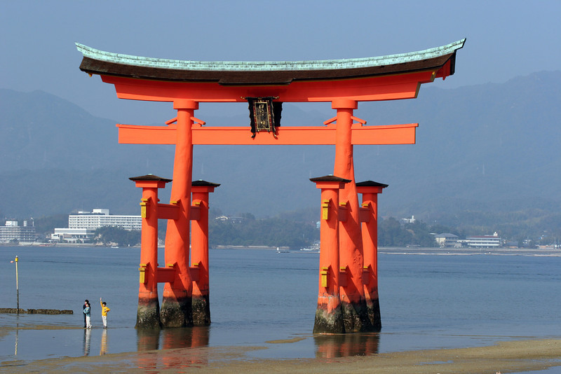 Great torijii (shrine gate) at Miyajima