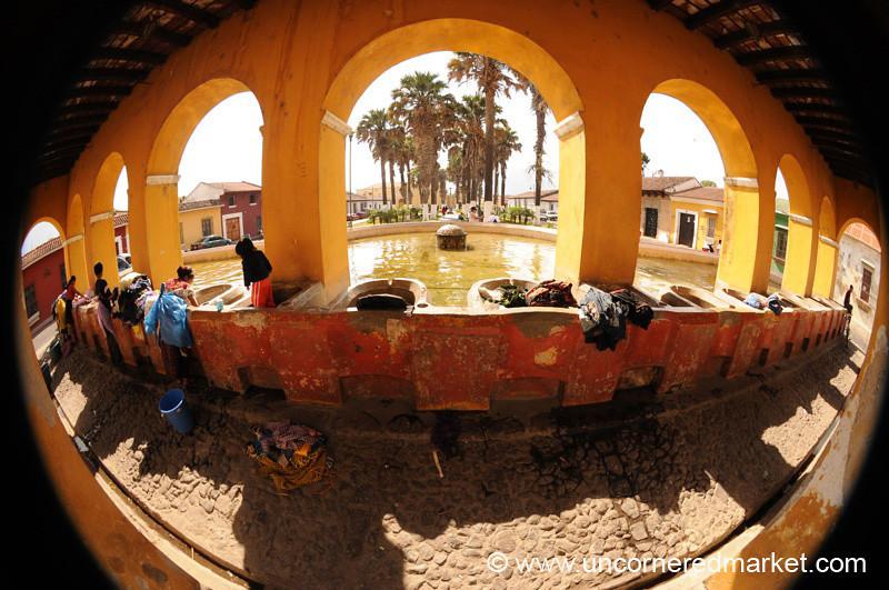 Parque Union Laundry Fisheye - Antigua, Guatemala