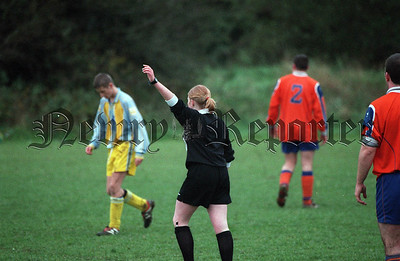01W47S21 d_c lady referee