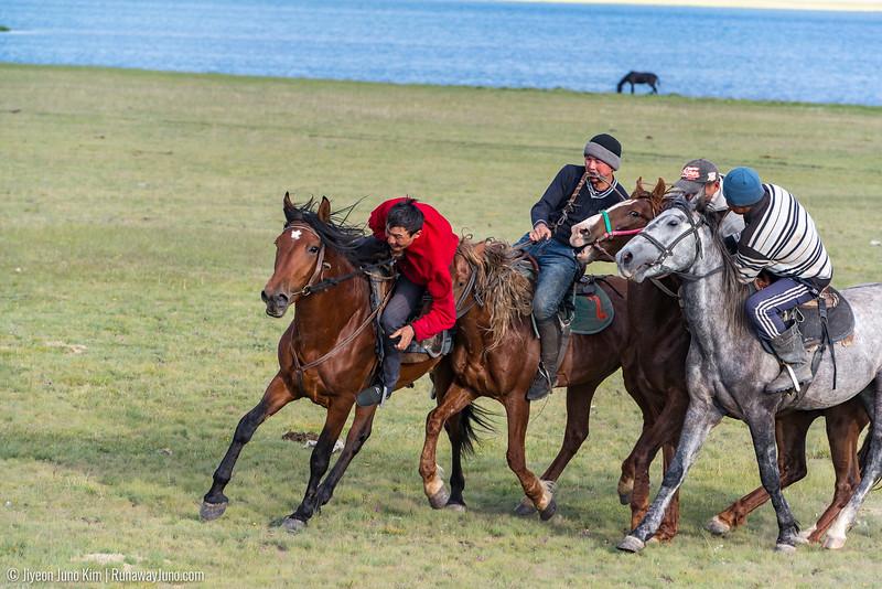 Song Kol Horse Trek-6106802.jpg