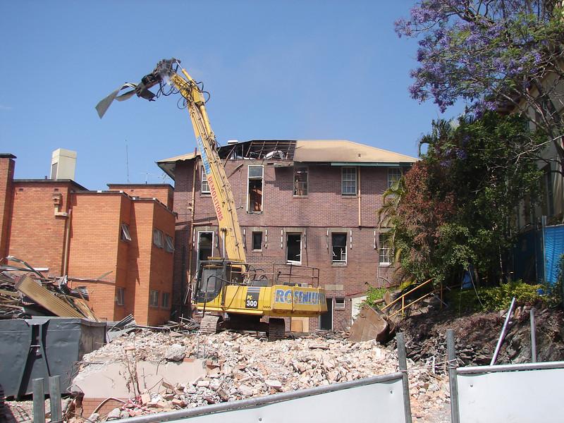 Chaplin Building demolition 003.jpg