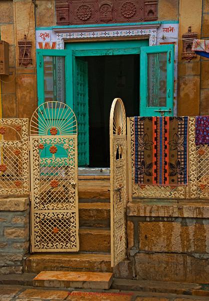 INDIA2010-0208A-381A.jpg