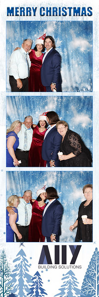 2018 ALLY CHRISTMAS PARTY BOOTH STRIPS_34.jpg