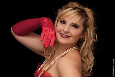 Dixie Caramel's Burlesque Début