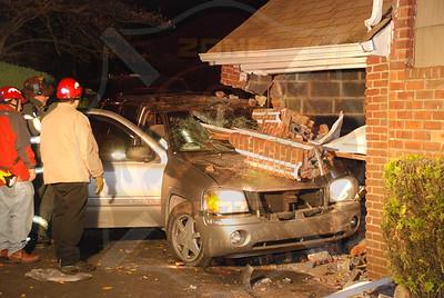 North Bellmore F.D. MVA w/T.R.T. Car into house 1684 Little Neck Ave. 11/21/07