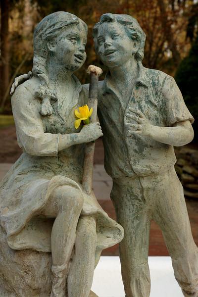 Sayen statues.jpg
