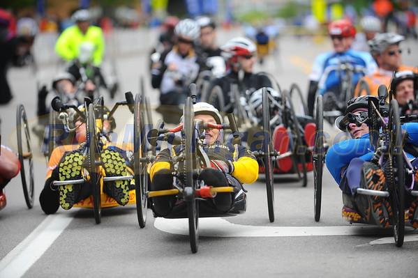 Handcycle & Wheeler Start - 2016 Fifth Third River Bank Run