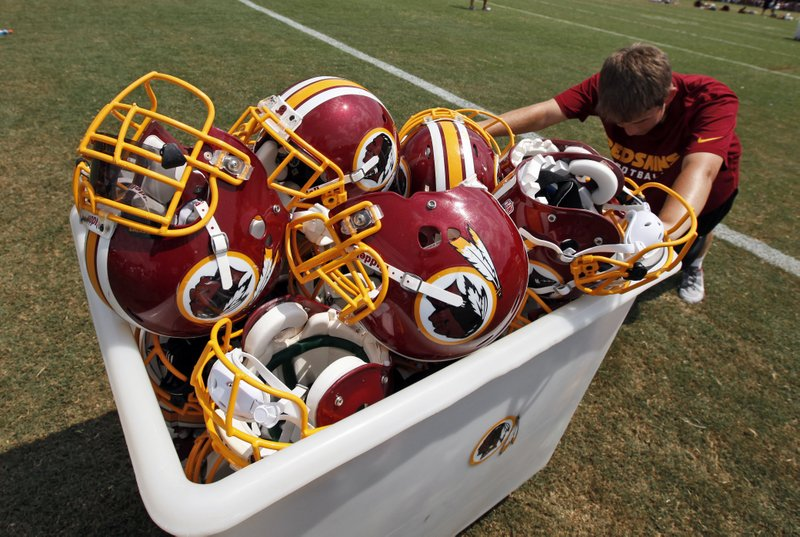""". <p>1. WASHINGTON REDSKINS <p>Tonight, let�s forget the name controversy for a few hours and focus on their crap team and their douchebag owner. (unranked) <p><b><a href=\'http://www.twincities.com/vikings/ci_24460497/joe-soucheray-redskins-name-grandstanding-activists-are-right\' target=\""""_blank\""""> HUH?</a></b> <p>     (AP Photo/Alex Brandon, File)  <p>OTHERS RECEIVING VOTES <p> Blockbuster Video, Minnesota Timberwolves, Colorado�s 25 percent marijuana tax, Tony Dorsett, Chris Coleman & Betsy Hodges, Kanye West, Northwestern�s �Wounded Warrior� uniforms, Charlie Sheen & Brooke Mueller, Tyson Chandler�s leg, Asian carp, Knick City Dancers, Lloyd McClendon, Tom Cruise, Dany Heatley, Josh Brolin, Lady Gaga, World Series of Poker, Ken Cuccinelli, Miami Dolphins, Lenny Dykstra & Mitch Williams, Seneca Wallace, Epic nightclub, snow. <p> <br><p> Kevin Cusick talks fantasy football, and whatever else comes up, with Bob Sansevere and �The Superstar� Mike Morris on Thursdays on Sports Radio 105 The Ticket. Follow him at <a href=\'http://twitter.com/theloopnow\'>twitter.com/theloopnow</a>."""