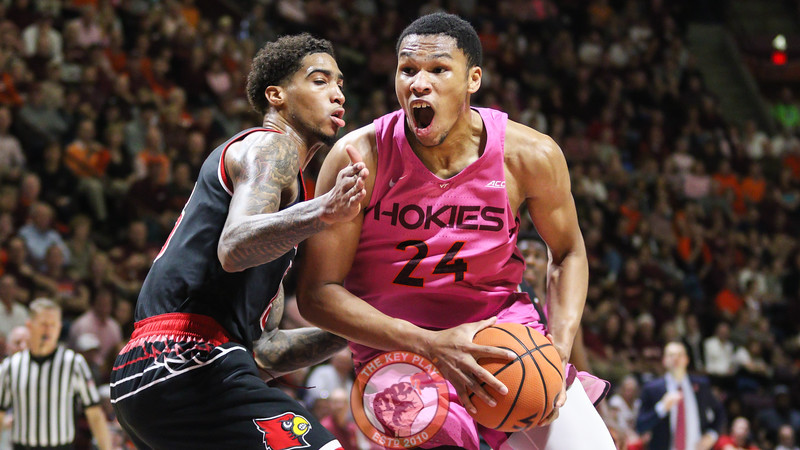 Kerry Blackshear Jr. gets fouled on a trip to the basket in the second half. (Mark Umansky/TheKeyPlay.com)