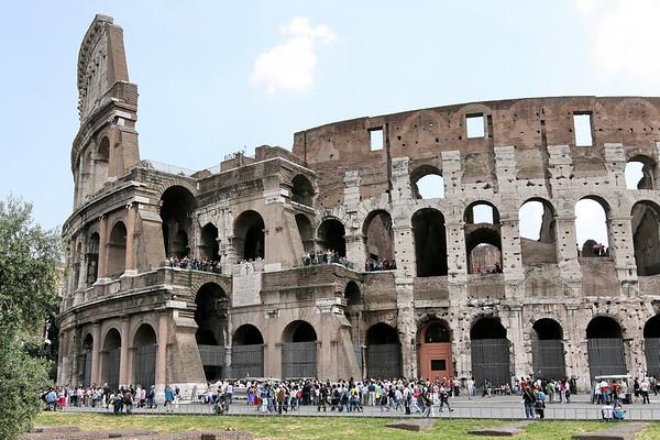 Le Colisee Colisseo