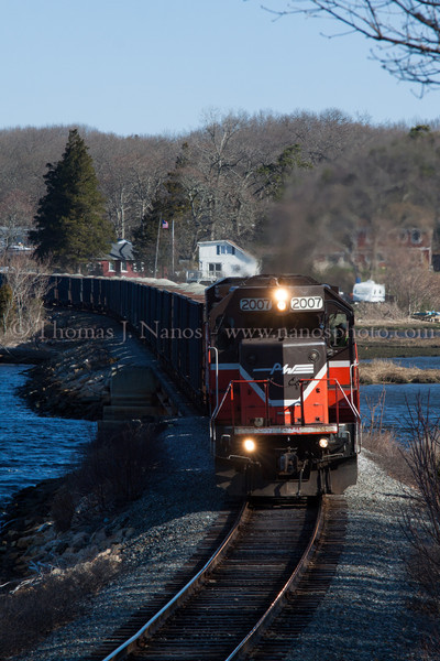 NR-2 in Two Towns Providence & Worcester train NR-2, now with its lead power in Ledyard, heads south along the Thames River on the left, and Poquetanuck Cove on the right.