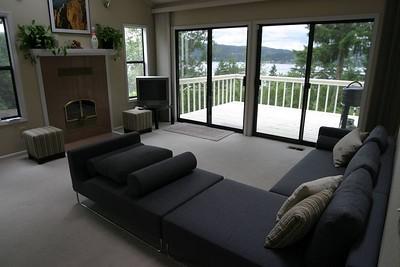 Bensen Sofa