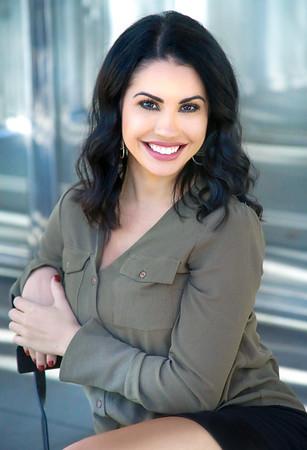 Sophia -DR.Zenn Office Headshots
