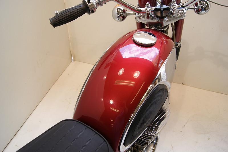 1968T500 4-10 061.JPG
