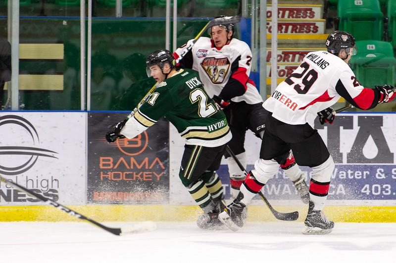 Jan 12 Oilers vs Camrose 0393.JPG