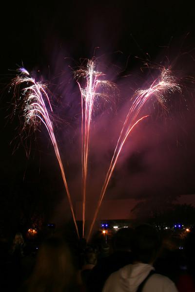 2007_1102putneyfireworks052_edited-1.JPG