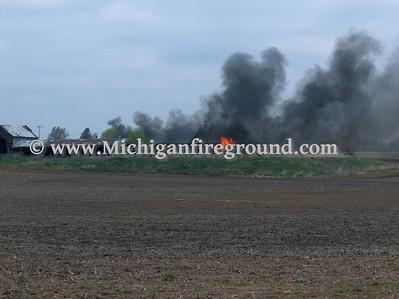 4/26/08 - Eaton Rapids Twp barn fire, 921 Gale Rd
