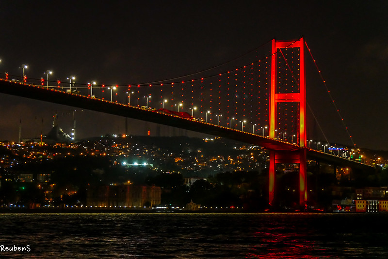 Bosporus  bridge close up.jpg