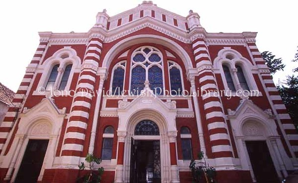 ROMANIA, Brasov. Brasov Synagogue. (2004)