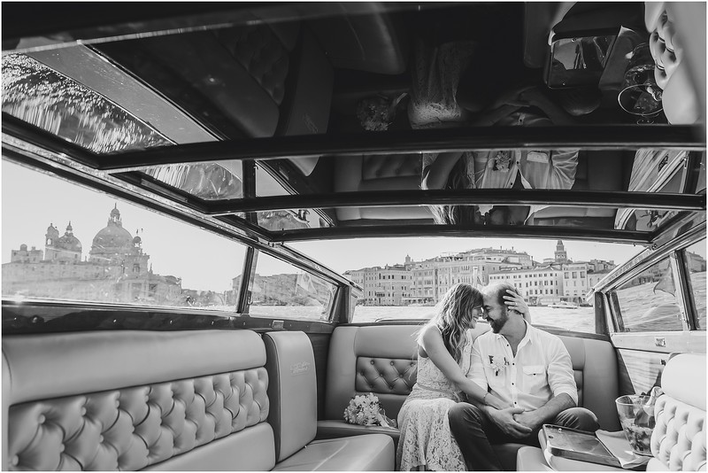Fotografo Venezia - Elopement in Venice - Honeymoon in Venice - photographer in Venice - Venice honeymoon photographer - Venice photographer - Elopement Venice photographer - 55.jpg