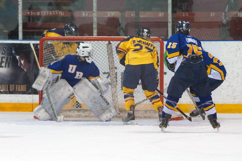 20130310 QWHockeyvsUBC 738.jpg