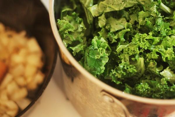 Kale Savory Pastry (Pseudo-Mu'ajanat)