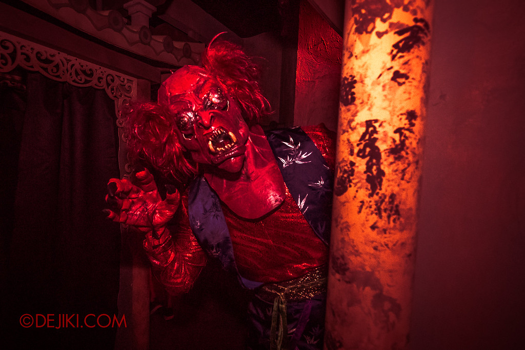 USS HHN8 Pagoda of Peril haunted house – Prayer Hall Demon