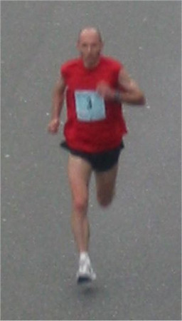 2003 Vancouver Sun Run - Jon Brown, top Victoria runner, third overall