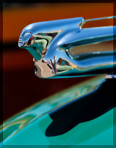 Hood ornament of a Chevrolet Woodie.