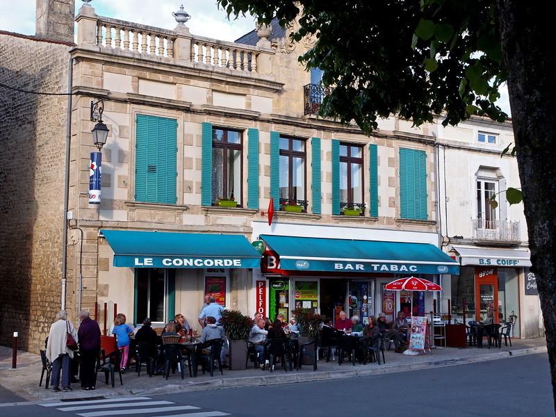 Dampierre-sur-Boutonne 21-05-15 (13).jpg