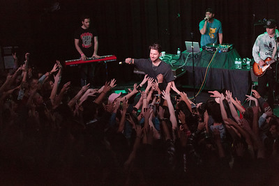 Marc E. Bassy  (Groovy People Tour)