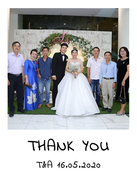 TA-wedding-instant-print-photo-booth-at-Revierside-Palace-Quan-4-Chup-hinh-in-anh-lay-lien-Tiec-Cuoi-018.jpg