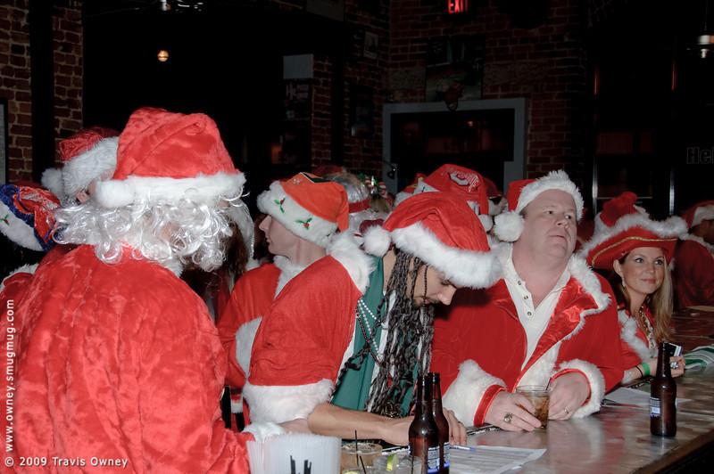 2009 ALS Santa Crawl-15.jpg