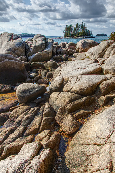 Stonington shore, HDR, maine.jpg