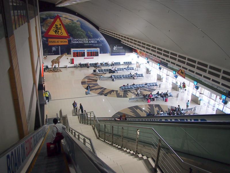 P3210078-departures-downstairs.JPG
