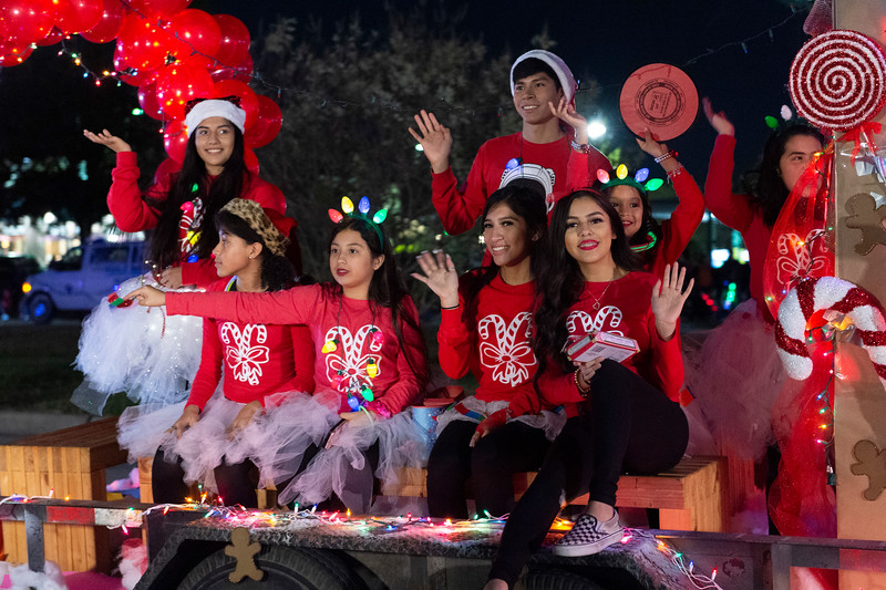 Holiday Lighted Parade_2019_450.jpg