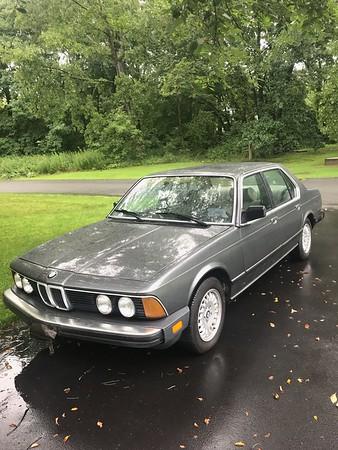 1984 733