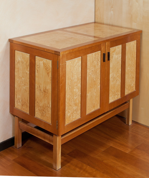 Sideboard in cherry and masur birch