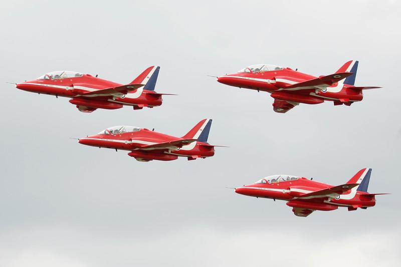 RedArrows-RoyalAirForce-2004-07-18-FFD-EGVA-GJ7I9310-DanishAviationPhoto.jpg