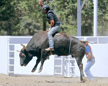 Awbrey Cyrus Bucking Bulls Practice @ Sisters Rodeo Grounds 7-02-2017