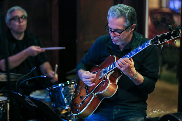 Andy Perri Trio + 1 - Village Grille - 11-4-2017