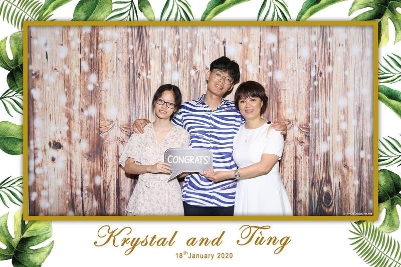 Krystal-Tung-wedding-instant-print-photo-booth-in-Ho-Chi-Minh-City-Chup-hinh-lay-lien-Tiec-cuoi-WefieBox-Photobooth-Vietnam-003.jpg