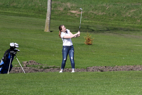 Siouxland Conference girls' golf at Otter Valley 5-2-19