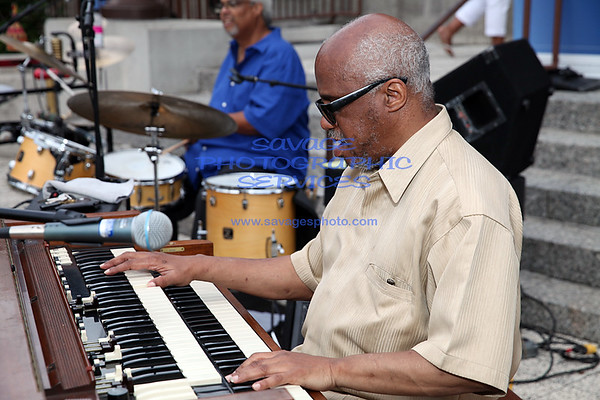 The Sounds Of History - Jazz At DuSable - Tribute To Jimmy Smith, Richard Groove Holmes,Jack McDuff, Jimmy Smith & Charles Earland - Featuring Chris Foreman