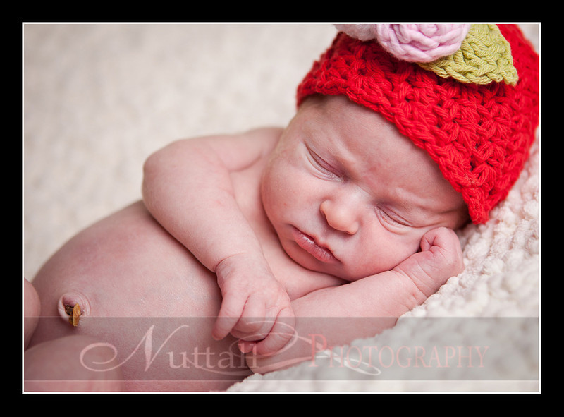 Clara Newborn 34.jpg