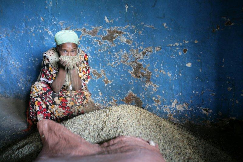 andrea-guermani-lavazza-ethiopia-mercato-caff-villaggio-oromo.jpg