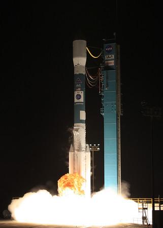 ULA Delta ll launches Sky-Med 3 from Vandenberg AFB. CA. 10-24-2008