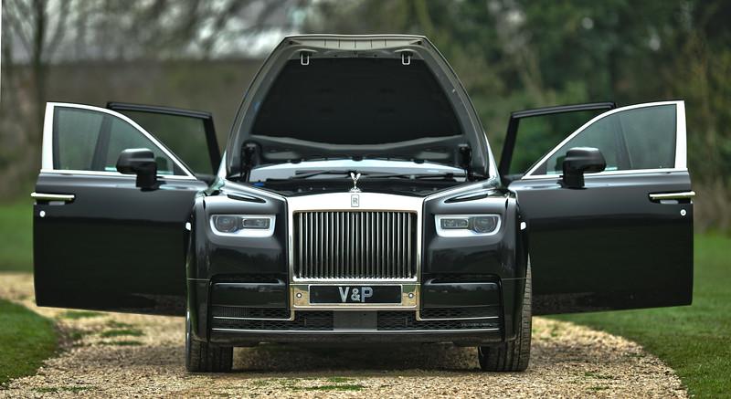 Rolls-Royce Phantom VIII 13.jpg