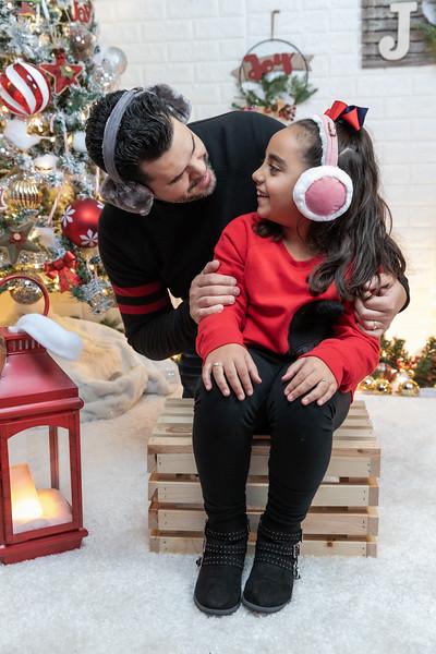 12.18.19 - Vick's Christmas Photo Session 2019 - -22.jpg